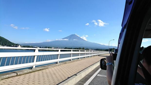 河口湖大橋からの富士山